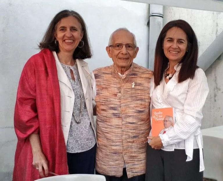 Texto da apresentação do Livro Retalhos da Vida Pastoral, por Dina Matos Ferreira |