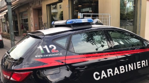 """Bolzano, i Nas controllano """"Mair Fast Food"""": norme igieniche rispettate e locale pulito"""