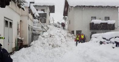 Martello, paurosa valanga in paese: gli evacuati sono 50