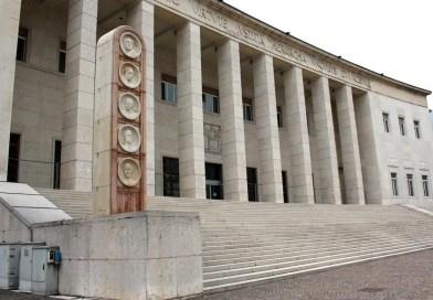 Bolzano, abusó della figlia di 5 anni: condanna ridotta a 10 anni