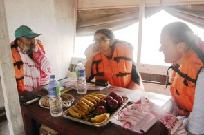 (From right)Onno Ruhl, head of the World Bank in India and,Sona Thakur Communications Officer, World Bank India with Managing Trustee Sanjoy Hazarika having breakfast on board the Boat Clinic