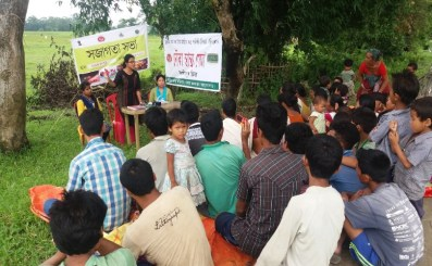 Dr Queen Morang MO, Boat Clinic, Lakhimpur, giving the awareness talk on Vector borne diseases at Majorsapori