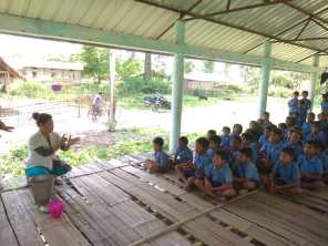 Handwashing among students as a part of IDCF at Charisiti under Panitola BPHC Dibrugarh May 2019(Right) (Right)Handwashing among students as a part of IDCF at Charisiti island village under Panitola BPHC by the Dibrugarh Boat Clinic team