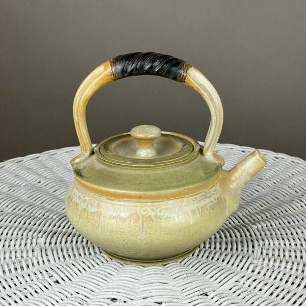 handmade ceramic teapot by richard aerni