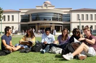 635998906320215302-370062114_college