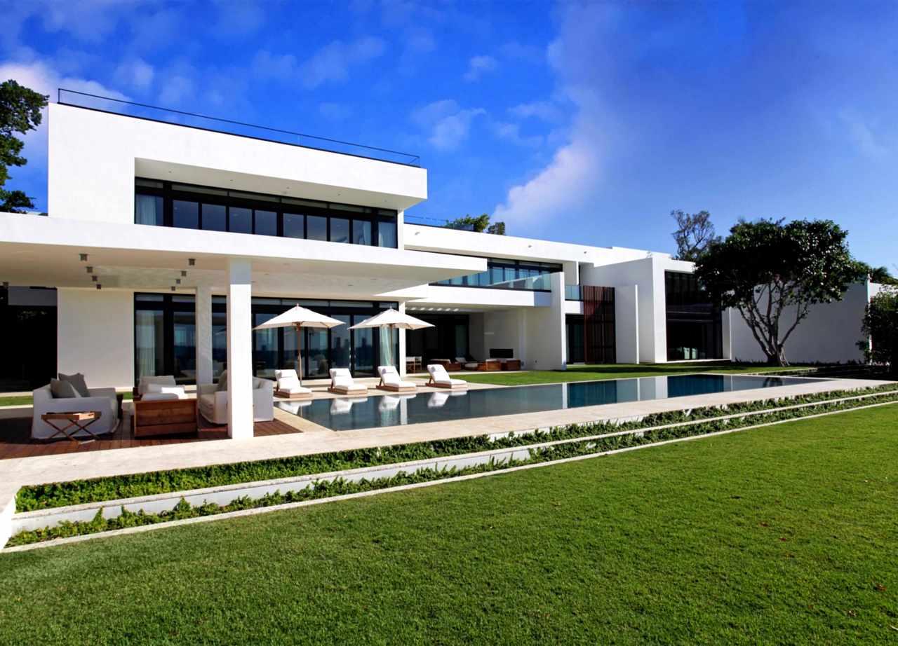 Best Kitchen Gallery: Stunning Waterfront Modern Masterpiece By Ralph Choeff In Miami of Miami Home Design  on rachelxblog.com