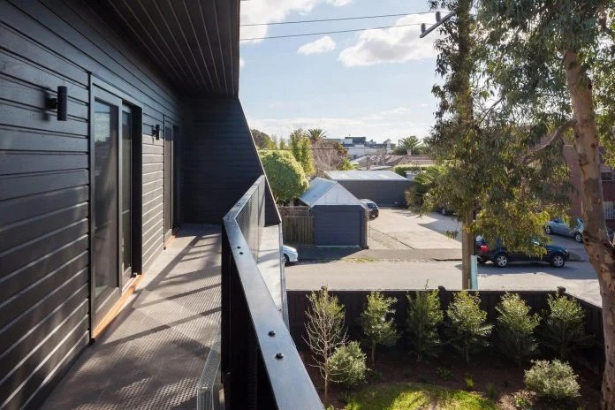 Reconfiguration And Extension Of An Edwardian Weatherboard