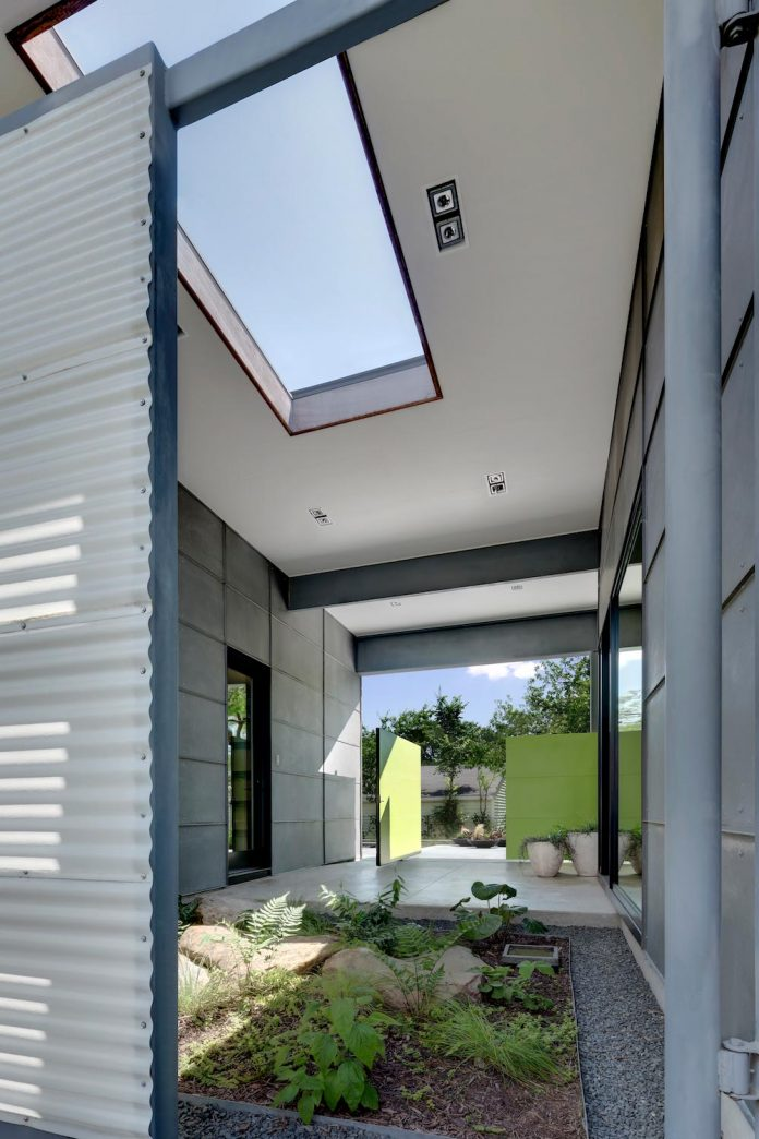 Two Courtyards Open To The Sky And The Living Areas Open