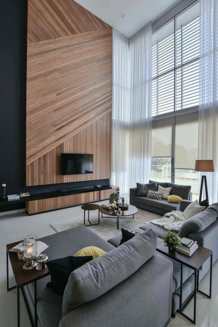 Wils 11 Residence Living Room With A Double Volume Wood