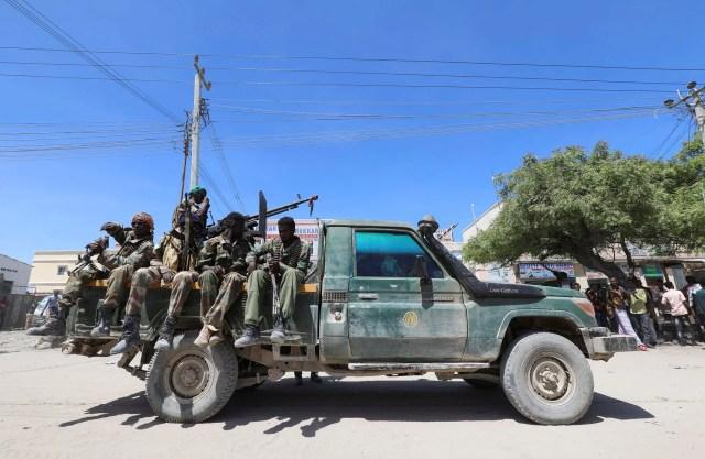 DAGAAL is-miidaamin ku billowday oo dhex-maray ciidamada DF iyo Al-Shabaab
