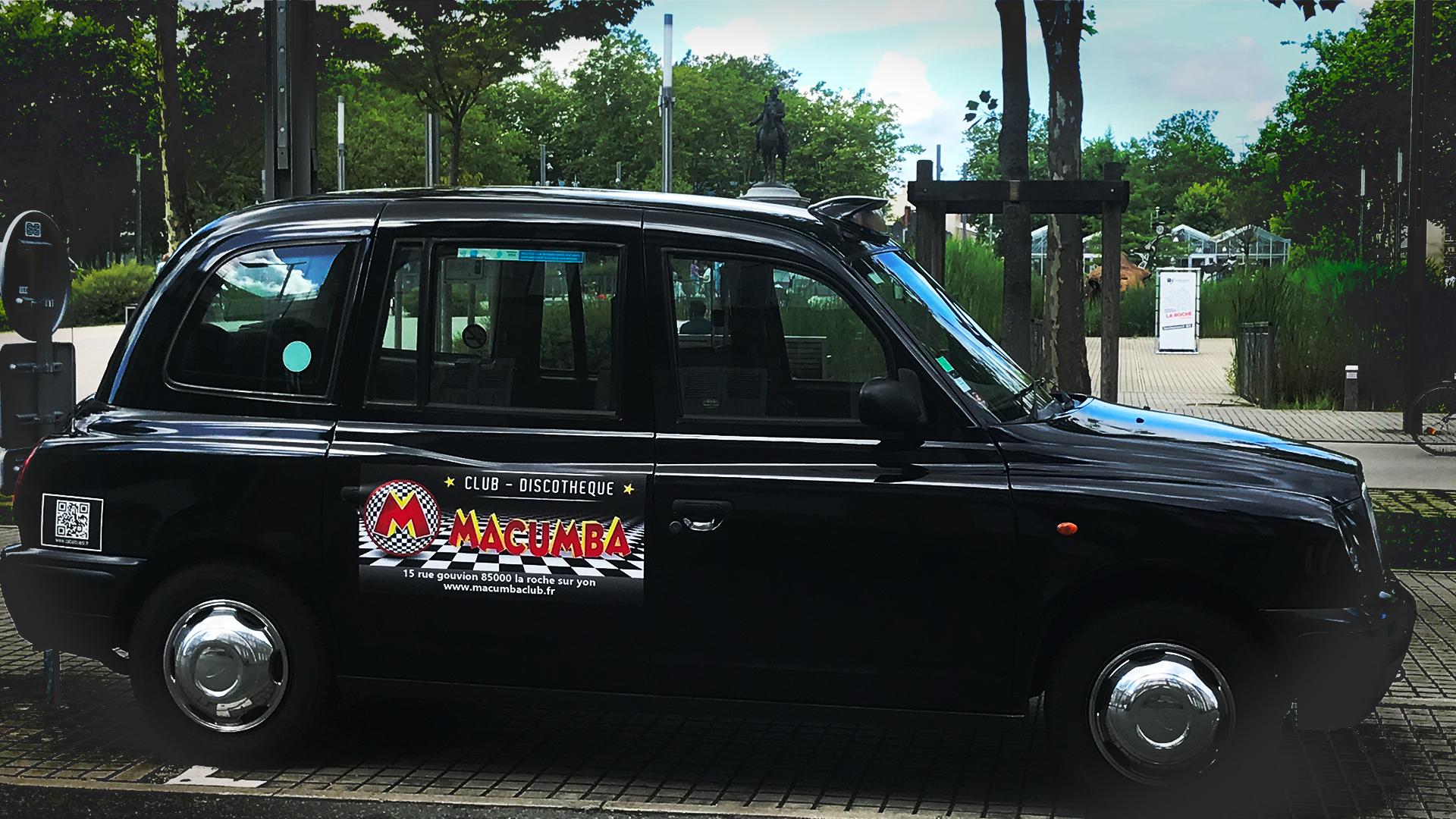 Cab à L'ouest roule pour le Macumba Club