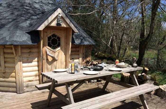 Cuisine terrasse cabane cantal