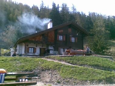 Cabane de l'Ardebran en été
