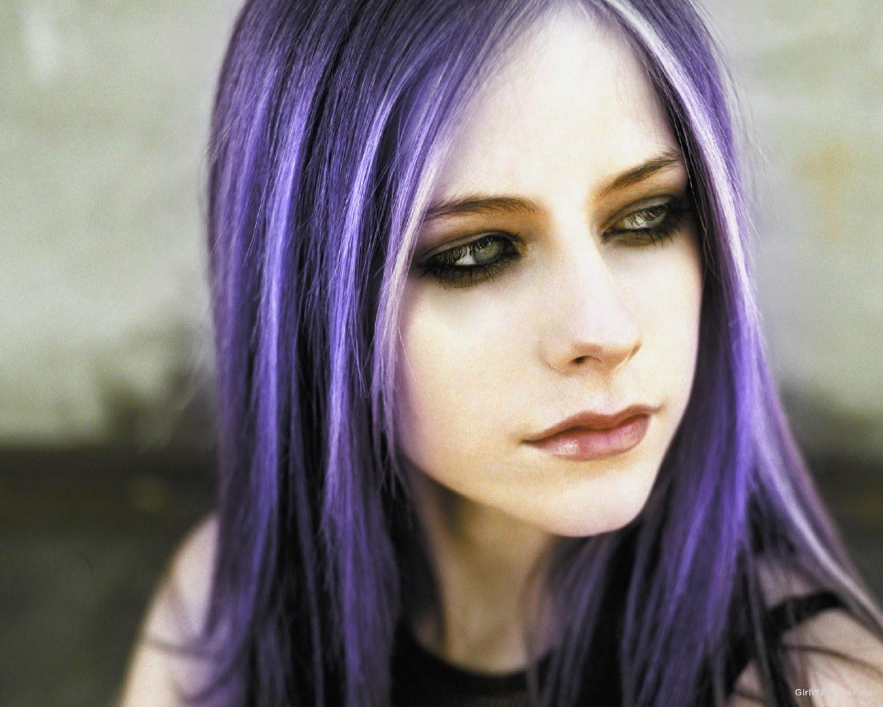 Avril-Lavigne-roxo copy
