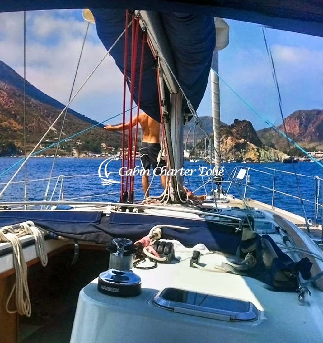 Cabin Charter in Barca a Vela alle Isole Eolie