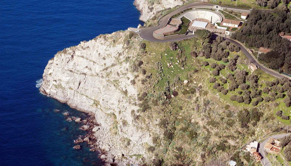 Cabin Charter Eolie - Palmi - Anfiteatro - Vacanza in Barca a Vela - Viaggio in Barca a Vela - Calabria - Sicilia