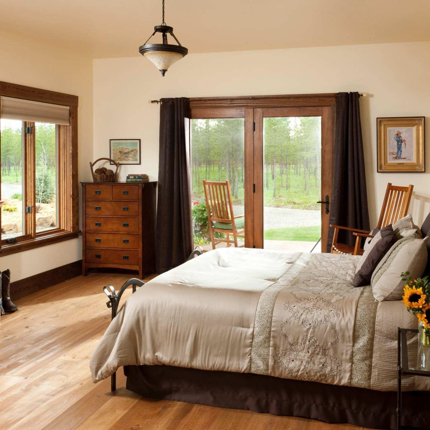 luxurious room at cabin creek landing