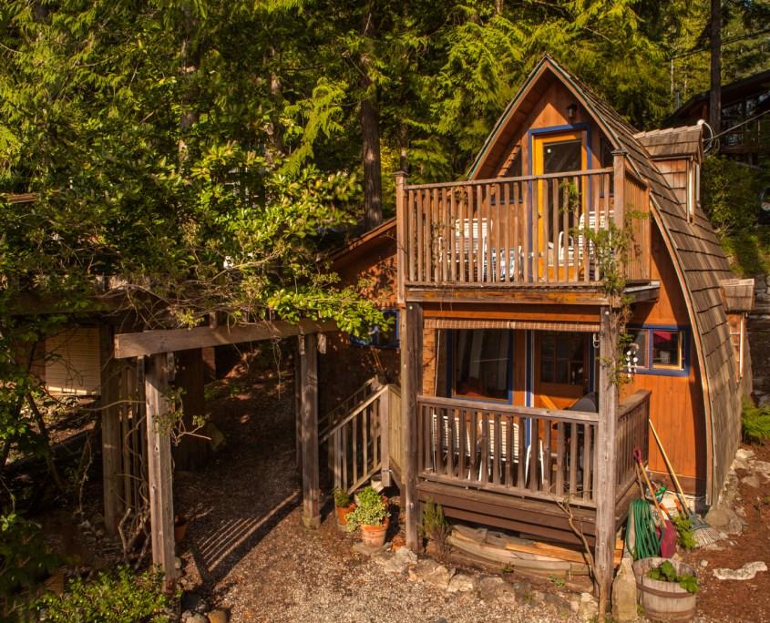 sunshine-coast-cabins-alfie-a-frame-front
