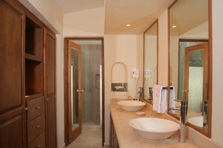 Punta_Pescadero_Hotel_Bathroom
