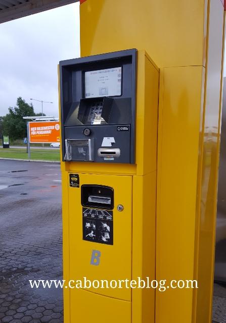 Surtidor de una gasolinera sin personal en Suecia