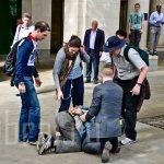 how they do an arrest @ London