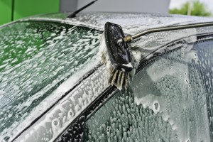 Auto Handwäsche mit Hochdruckreiniger und Buerste