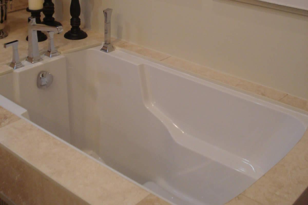 Deep Soaking Tub Ontario Canada Cabuchon