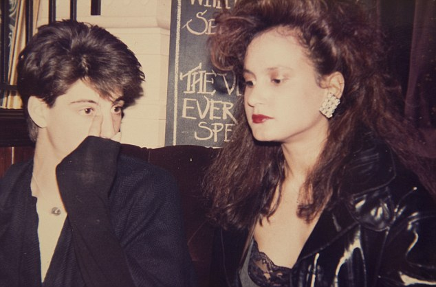 ? & Tess in Gordons Wine Bar 1985 (aged 23 yrs)
