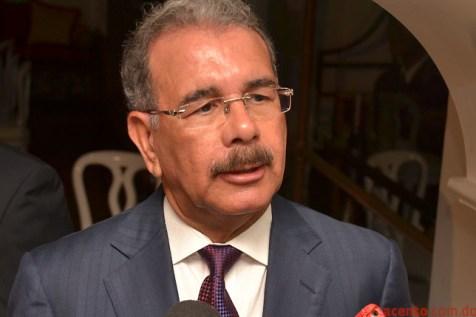 Danilo Medina Se reune con Frente de Ing., Arquitectos y Agrimen