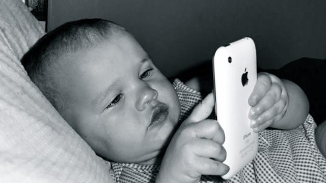 Reino Unido analizará el efecto de los celulares en los niños