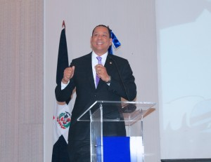 Superintendente de Bancos Luis Armando Asunción