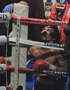 Se asegura que médicos que han examinado a Manny Paquiao han pensando que sus dos últimas derrotas, ante Timothy Bradley y 'Dinamita' Márquez, habrían sido consecuencia de su mal estado de salud.