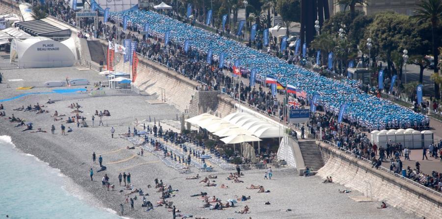El mayor grupo turístico que ha visitado el país fue recibido el sábado en un complejo hotelero en Niza, una localidad costera situada en el sur del país, en la Costa Azul, bañada por el Mar Mediterráneo.