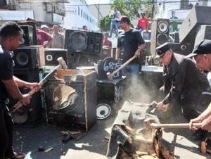 Procuraduría y la PN destruyeron más de mil bocinas