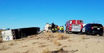Two dead, three big rigs overturned on I-10 near Cactus City