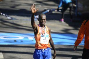 15 10 2017 BS AS Argentina: Se desarrolla la Maratón 42k Buenos Aires . foto PEDRO LAZARO FERNANDEZ llegada ganadores