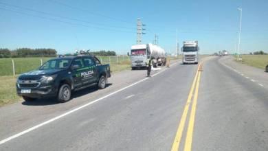 Photo of La policía levantó el corte de transportistas pero sigue el reclamo en rutas
