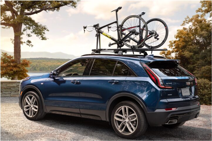 2020 Cadillac XT4 Compact SUV Roof Rails with Bikes