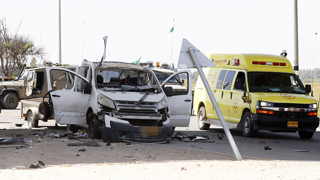 A rocket strike on a car near Sderot killed a man Sunday (Photo: AFP)