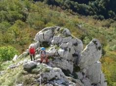 Léa et Florian avec Yavan en tête dans Qu'elle était verte ma vallée