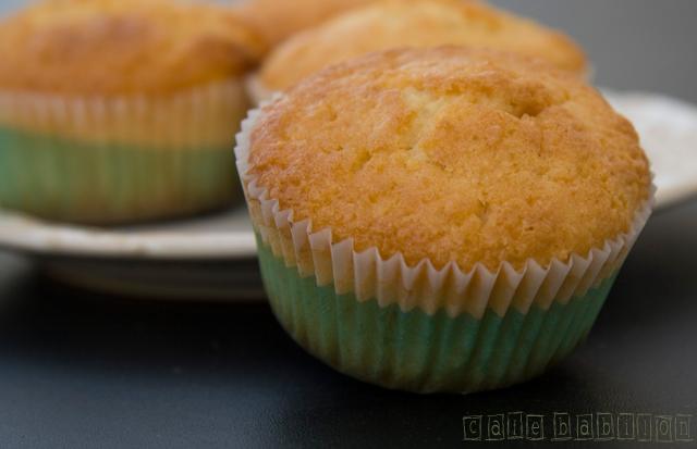Muffinki z kokosem i białą czekoladą