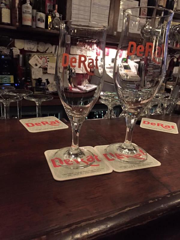 Café DeRat glas
