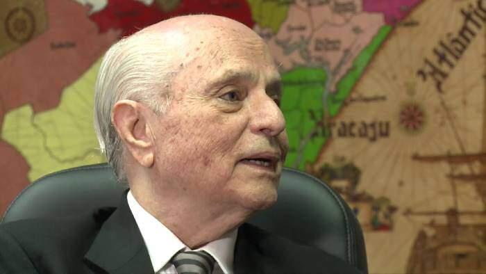 Este jornalista brasileiro cobriu o julgamento do nazista Adolf Eichmann
