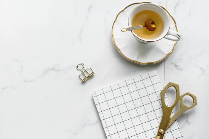 te blanco en cafe te arte