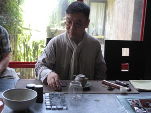 James, Tea Master Taiwanes experto en Oolong