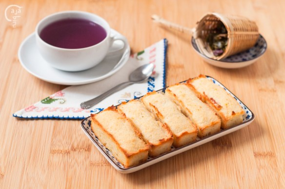 Financiers y purple tea
