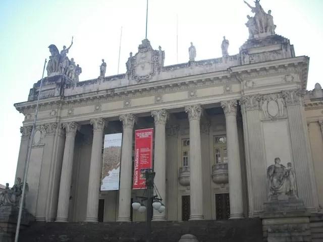 Escadaria da ALERJ (Palácio Tiradentes), onde agendamos o nosso encontro e ponto de partida