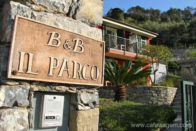 Entrada do hotel Il Parco - os hóspedes ganham a chave e o controlo remoto da porta!