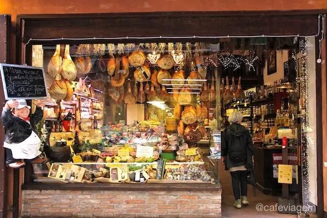 Bologna Via Pescherie