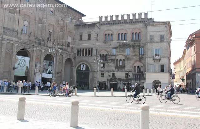 Piazza Garibalidi - bom ponto de partida!